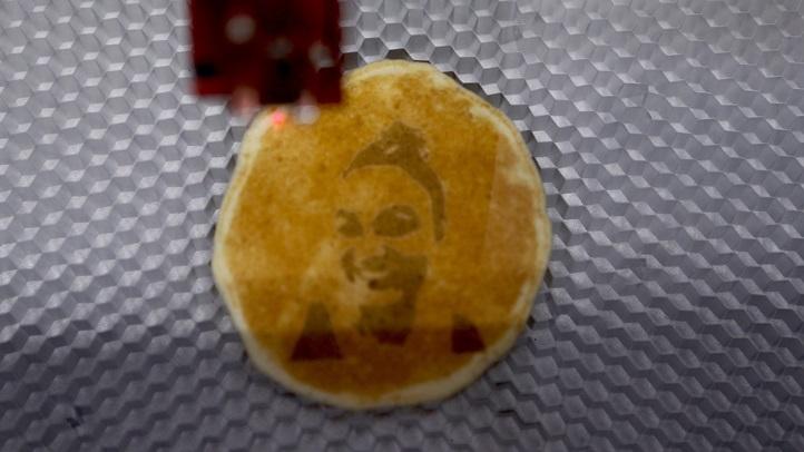 pancakeselfieexpress1