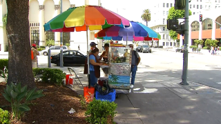 sidewalk-vendors