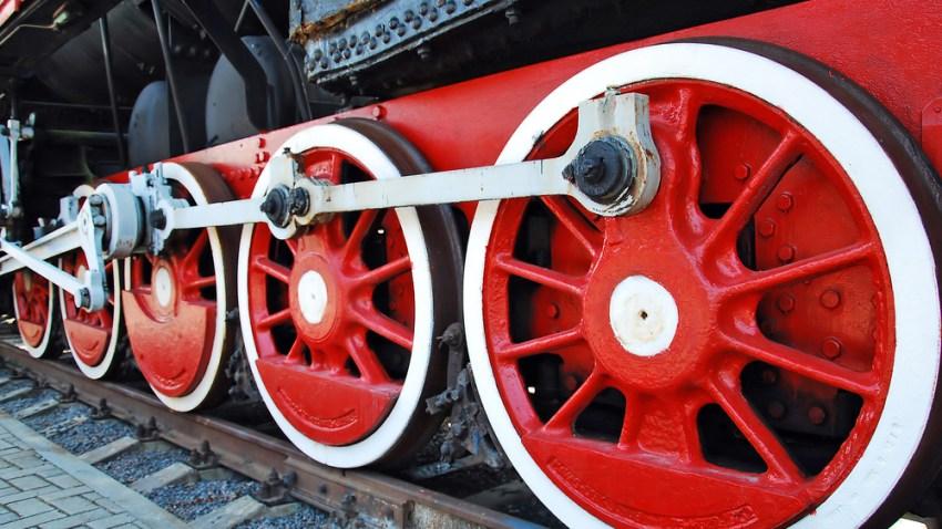 train-shutterstock_61280146