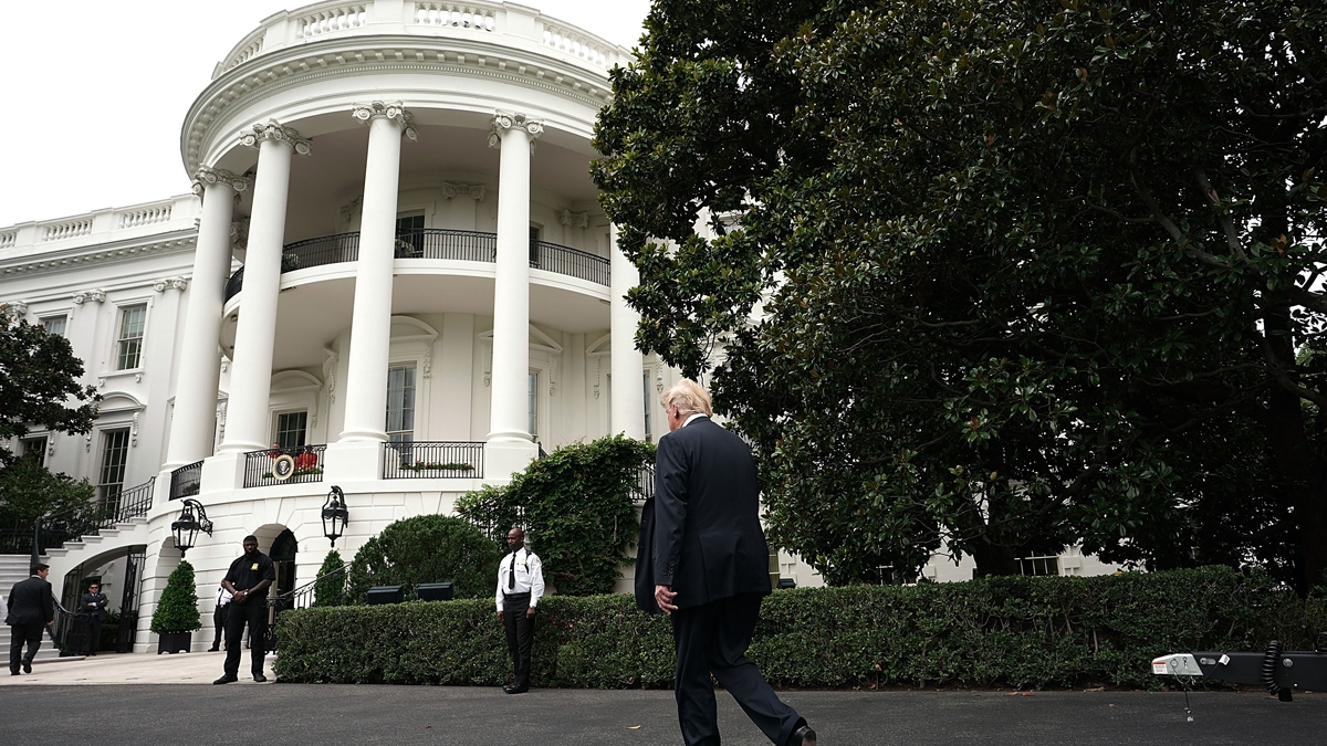 White House to Require Staffers to Wear Masks in West Wing 1