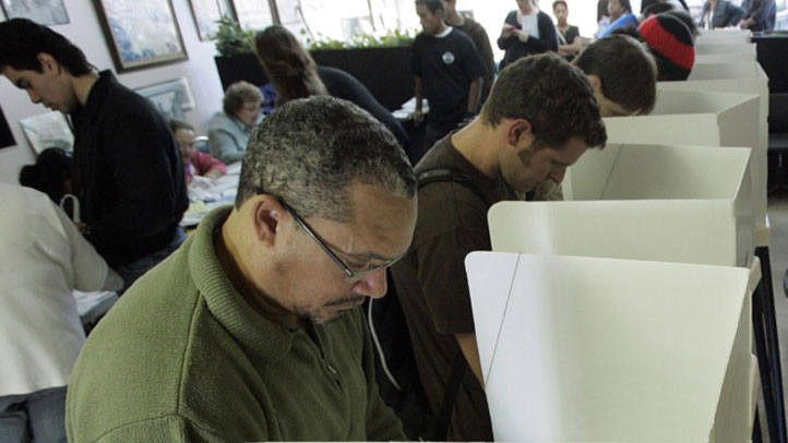 voting-booth-722