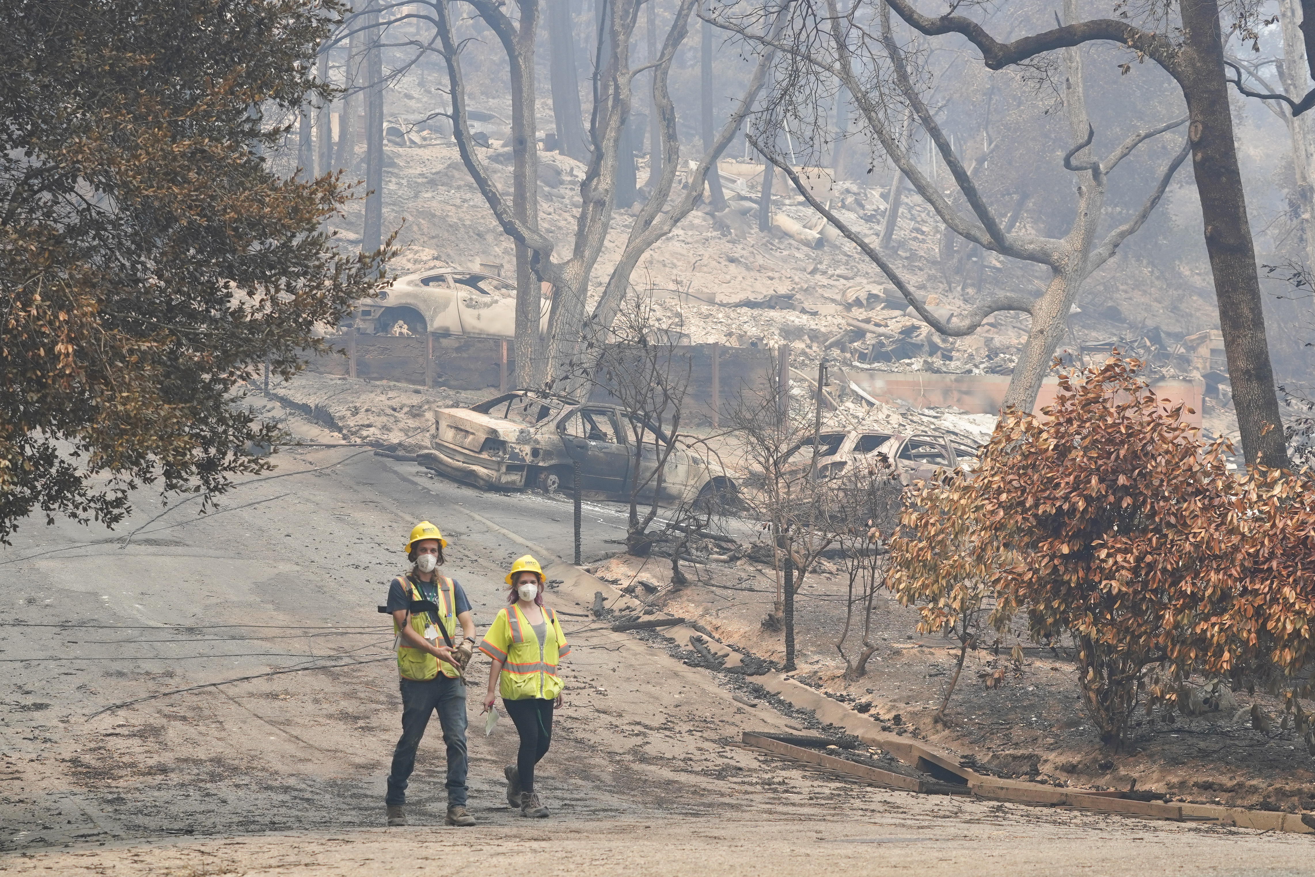 Trump Changes Course, Approves California Relief for 6 Fires 1