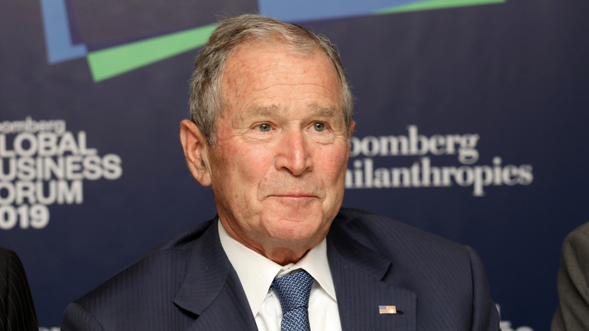 Former President Bush Pays Tribute to Immigrants in New Book 1