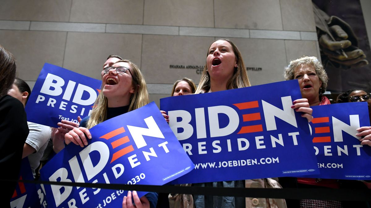 As Biden Mulls His Choice, Women's Groups Brace for Sexist, Racist Attacks on VP 1