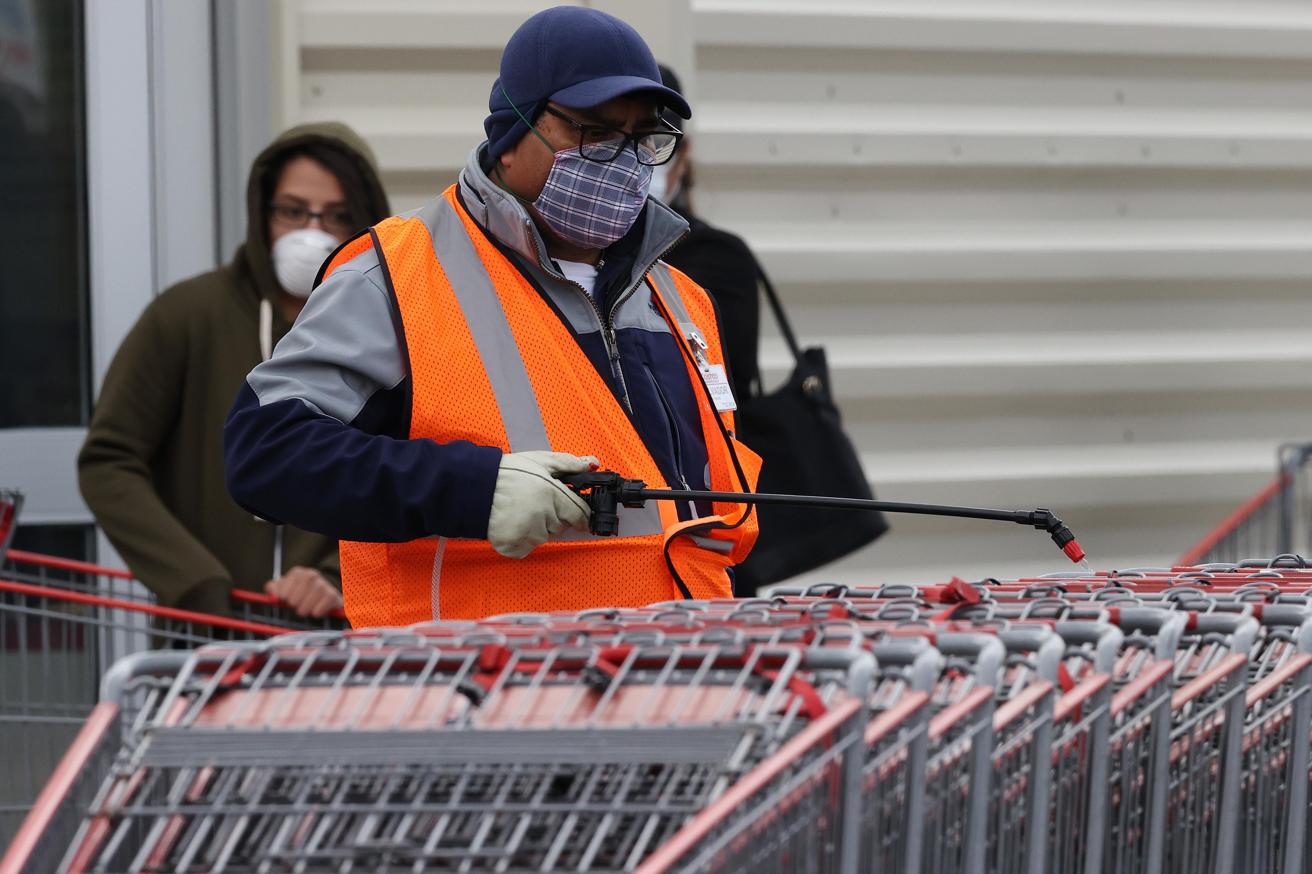 California Virus-Fighting Efforts Hampered by Data Delays