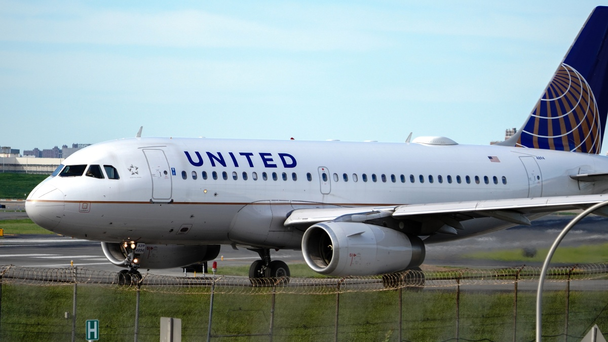 Democratic Proposal for More Airline Aid Stalls in Congress 1