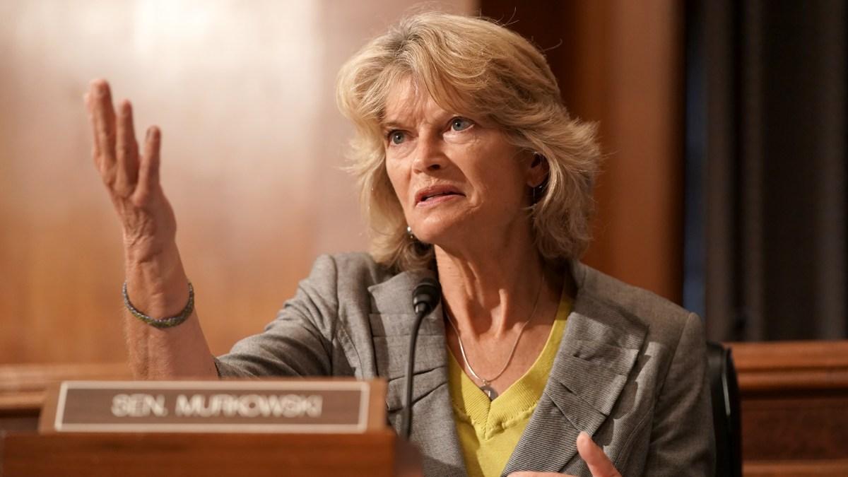 Lisa Murkowski Becomes 2nd GOP Senator to Oppose Pre-Election Supreme Court Vote 1