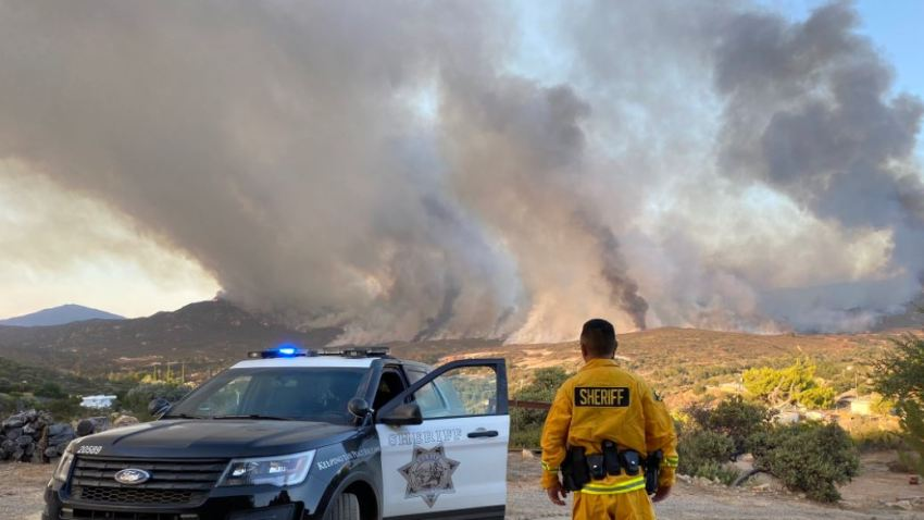 Day 3 Valley Fire Rages In East San Diego County Scorches 10 258 Acres Nbc Los Angeles