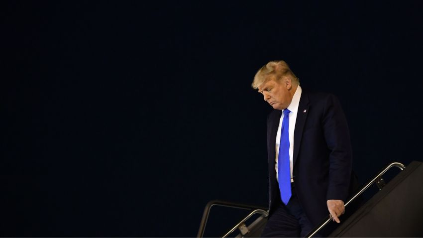 Trump steps off Air Force One