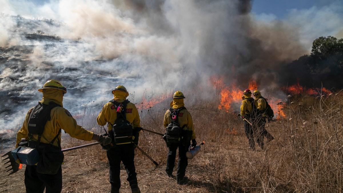 Winds Fan Silverado Fire In Orange County Nbc Los Angeles