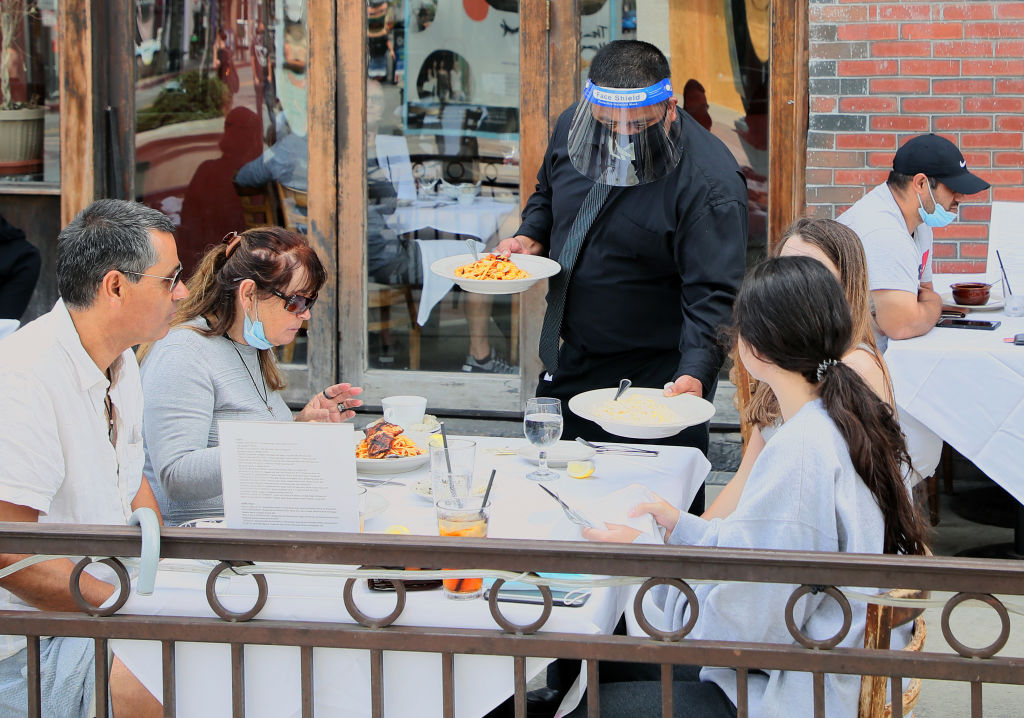 Orange County to Offer Outdoor Dining Grant for Restaurant Owners