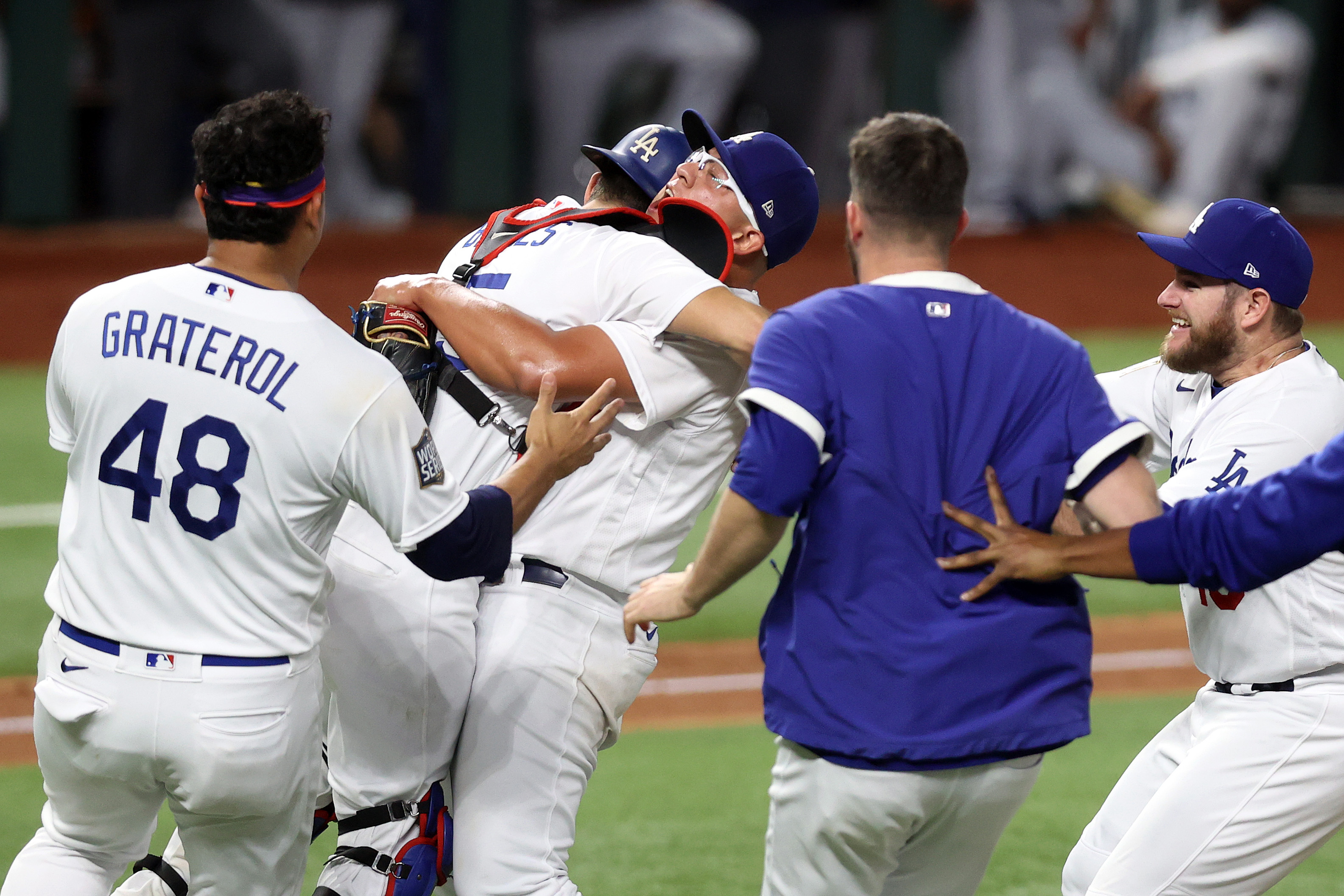 Los Angeles Dodgers Team Celebrate Moments After They Win The 2020 World Series 8x10 Photo Picture