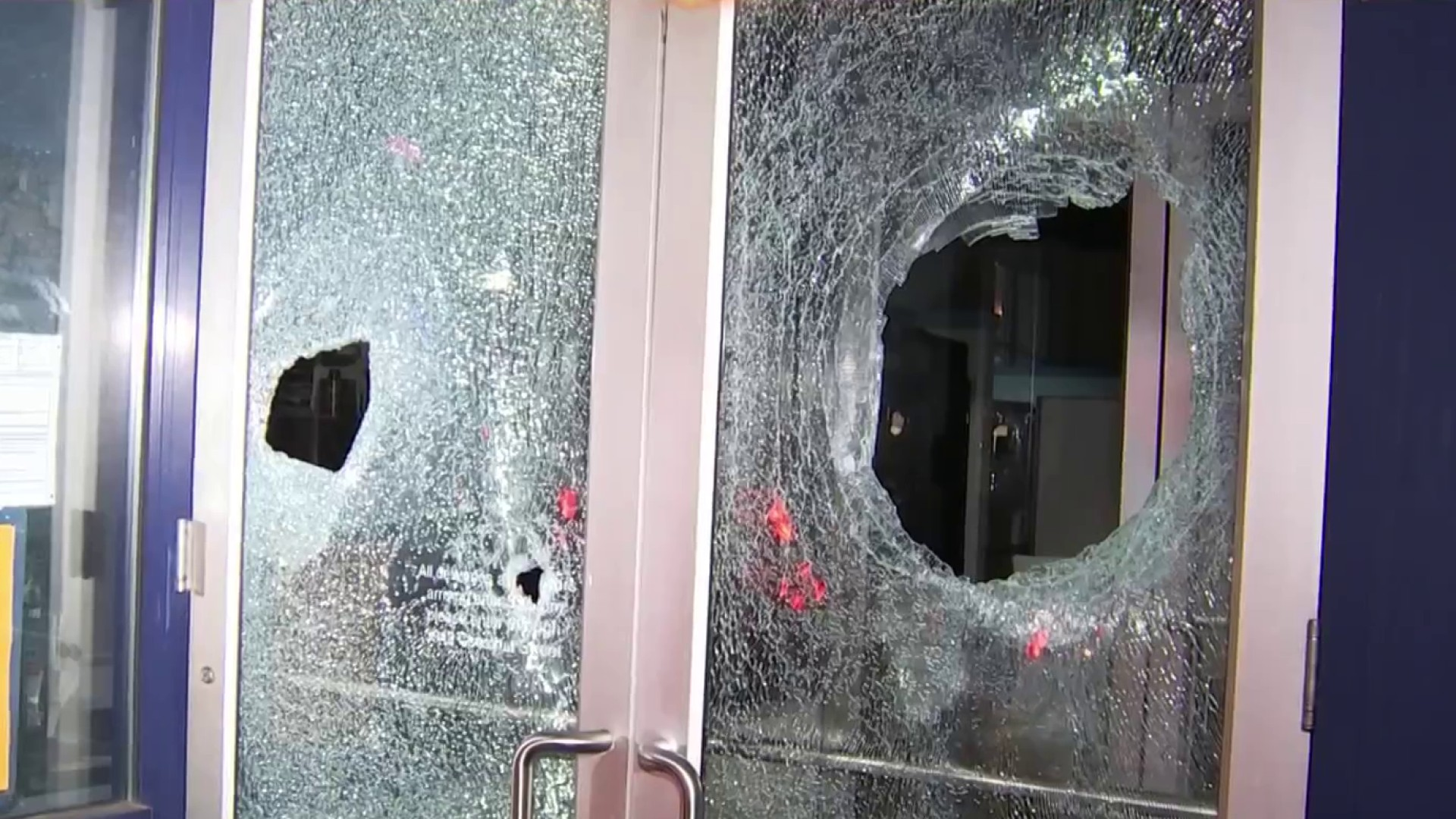 Violence Tears Through W. Philly After Deadly Police Shooting; 30 Officers Hurt – NBC Los Angeles