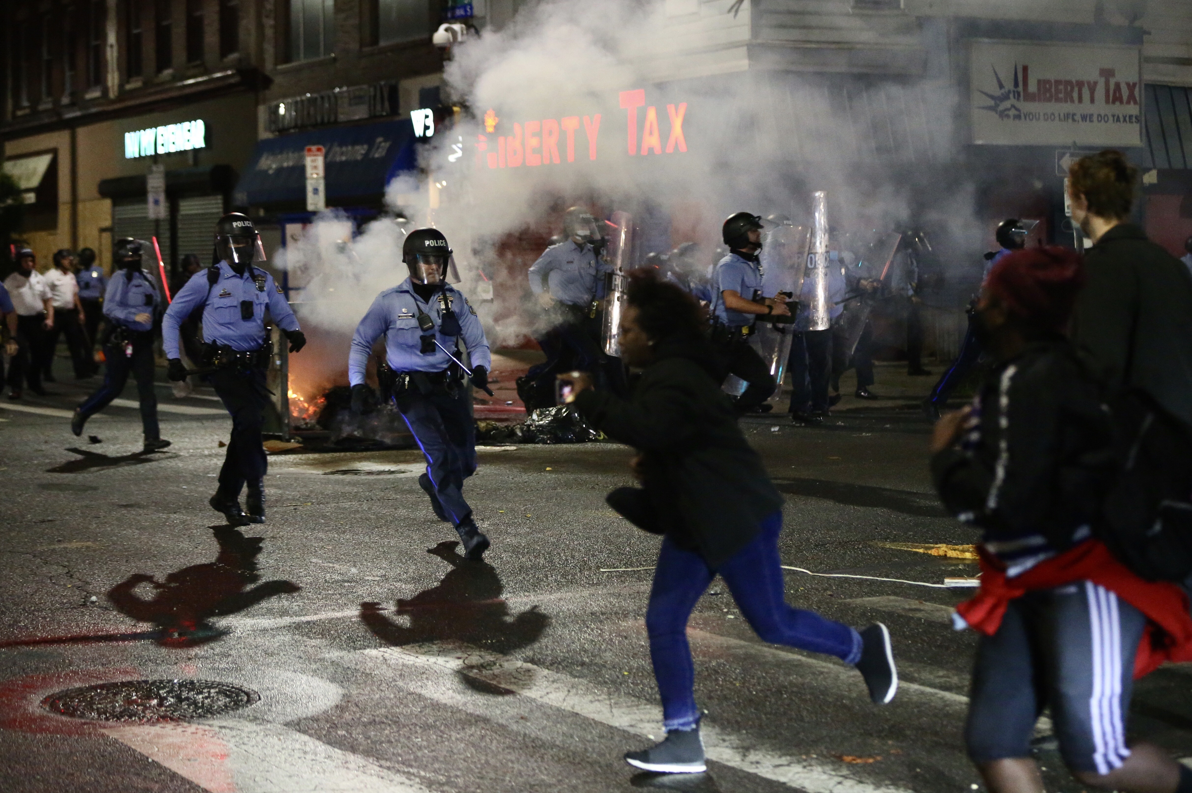 Violence Tears Through West Philadelphia, Other Neighborhoods After Police Shoot, Kill Walter Wallace Jr.; 30 Officers Hurt – NBC Los Angeles