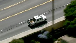 Officers pursue a driver in Thousand Oaks.