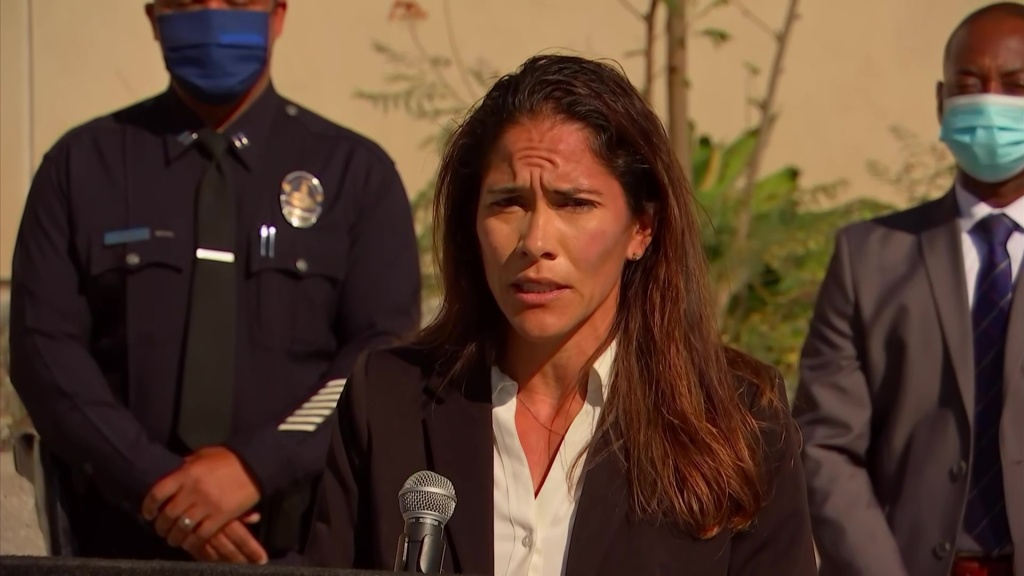 LAPD Det. Nellie Knight