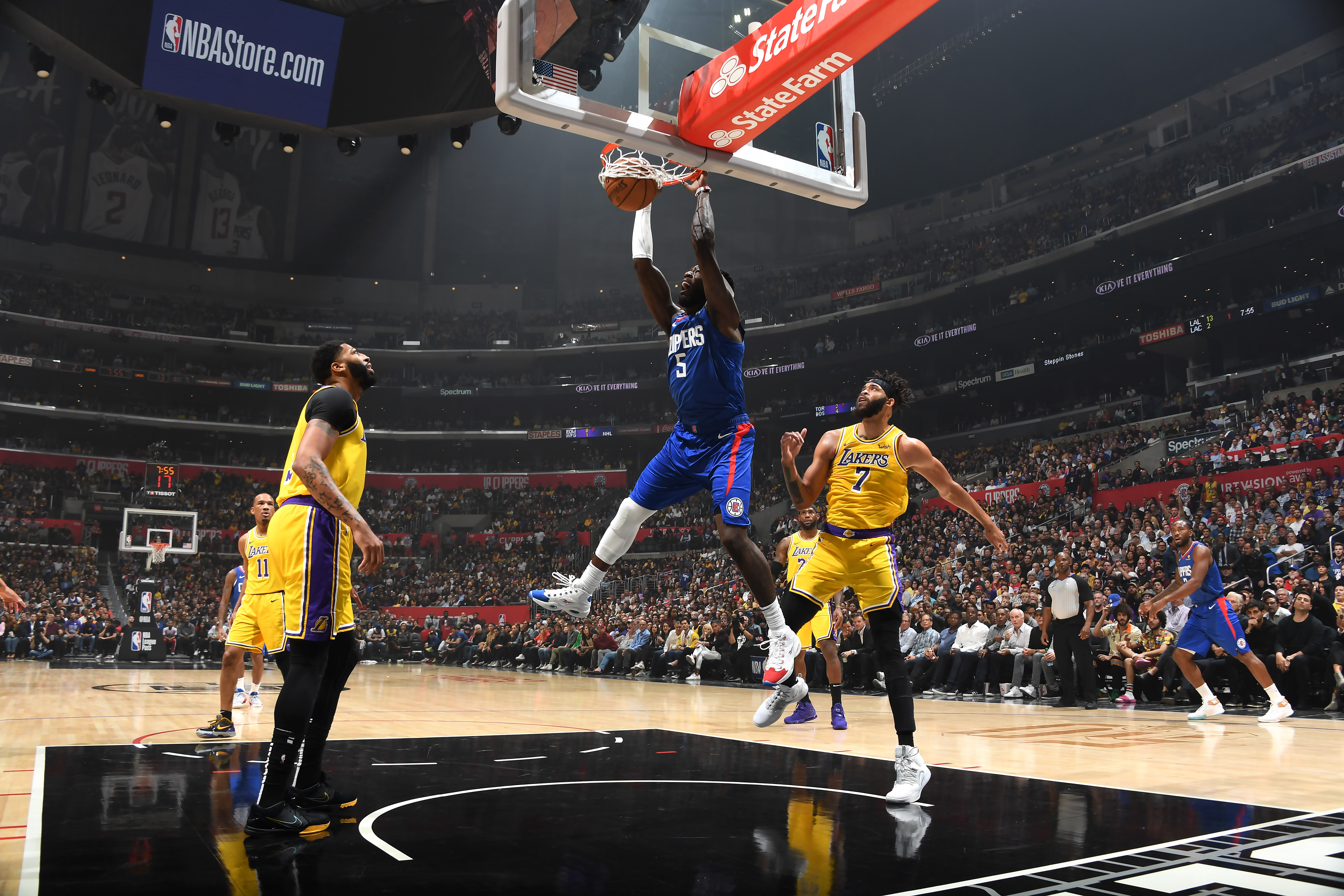 Lakers Sign Montrezl Harrell Away From Rival Clippers, Add Veteran Wesley Matthews