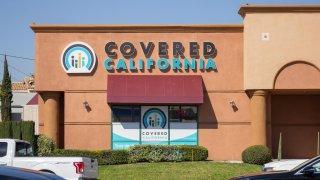 Una sede de Covered California en Anaheim.
