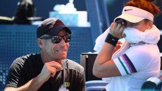 Coach, Sylvain Bruneau speaks with Bianca Andreescu
