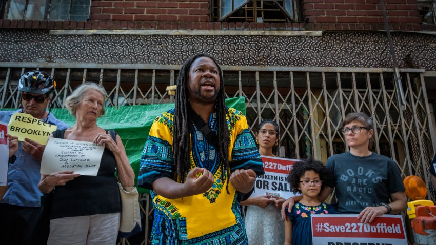 Rally to save historic building