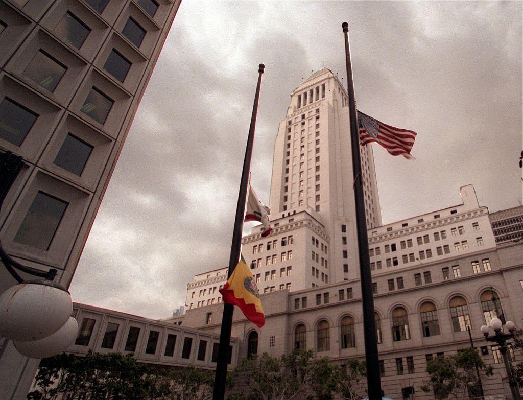 Mayor Garcetti Orders Flags Lowered to Half-Staff After 500,000 U.S. COVID-19 Deaths