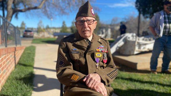 Biden Bestows Medal of Honor on 94-Year-Old Korean War Veteran 1