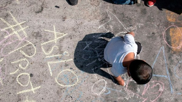 US Formally Ends Policy for Asylum-Seekers to Wait in Mexico 1