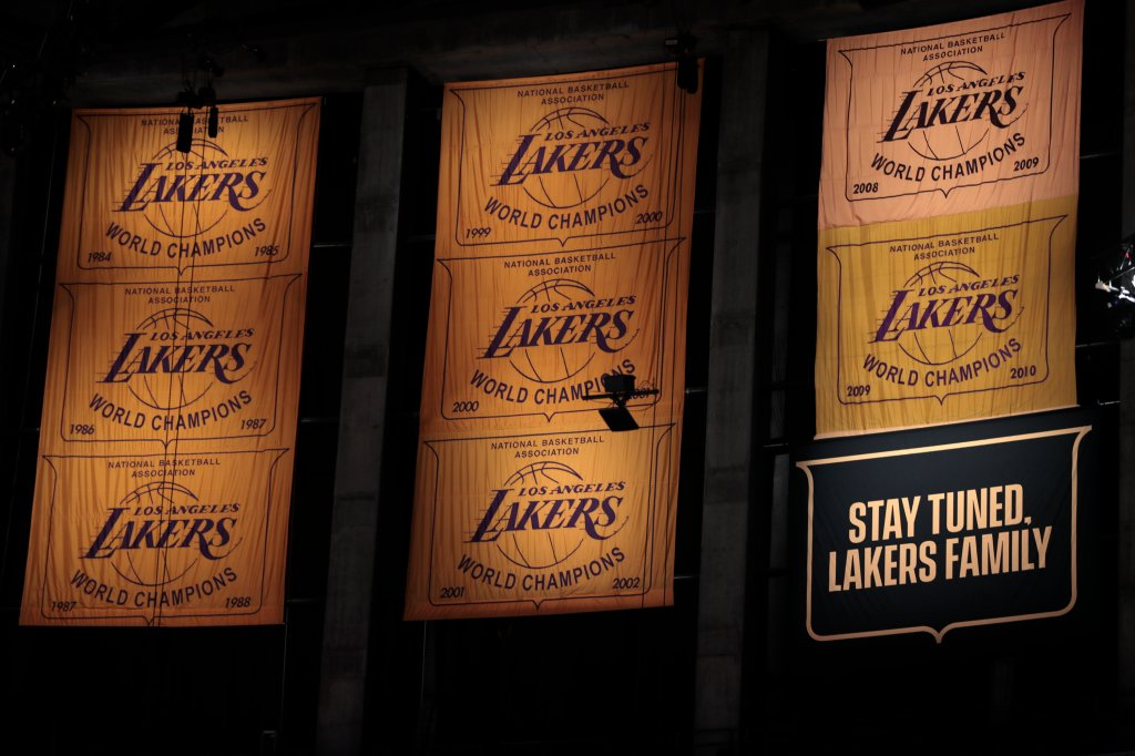 Lakers and Clippers on opening day