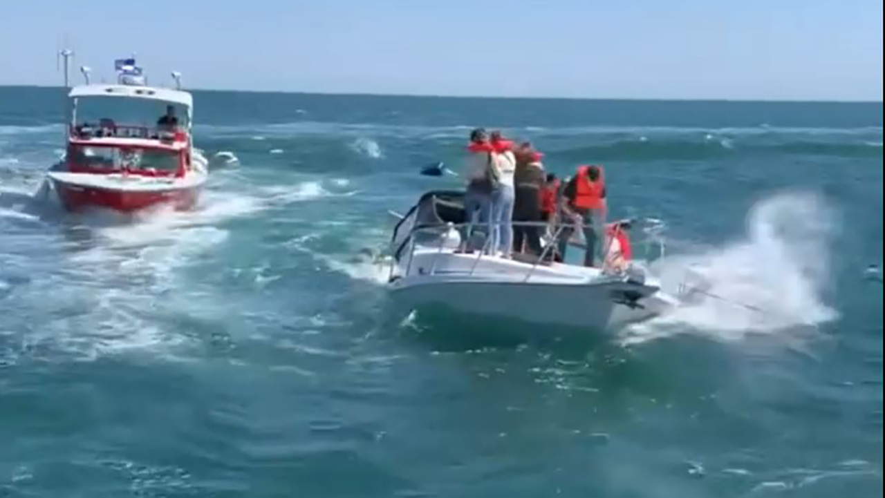 Watch: Harbor Patrol and  Good Samaritans Rescue 14 People From Sinking Boat Off Newport Beach