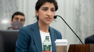 Lina Khan, Progressive Tech Critic, Sworn in as FTC Chair 1