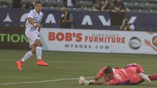 Javier-Hernandez-Goal-El-Trafico