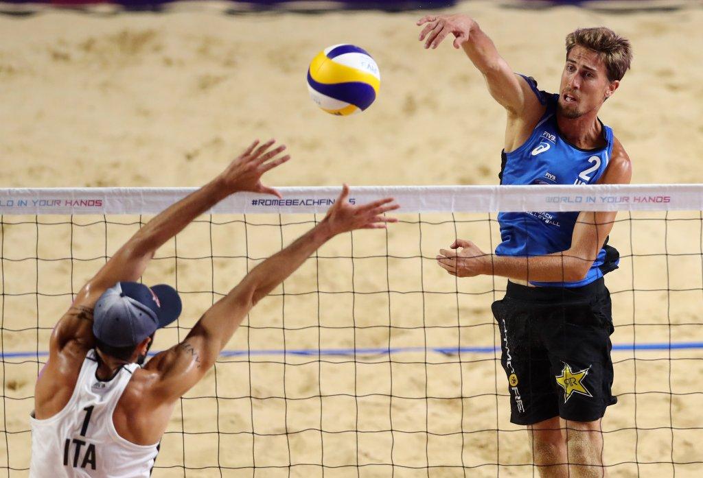 Taylor Crabb beach volleyball