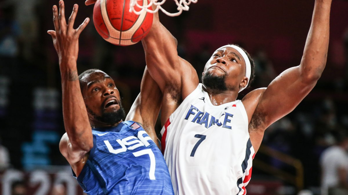 US Men's Basketball Trails France Heading Into the Fourth