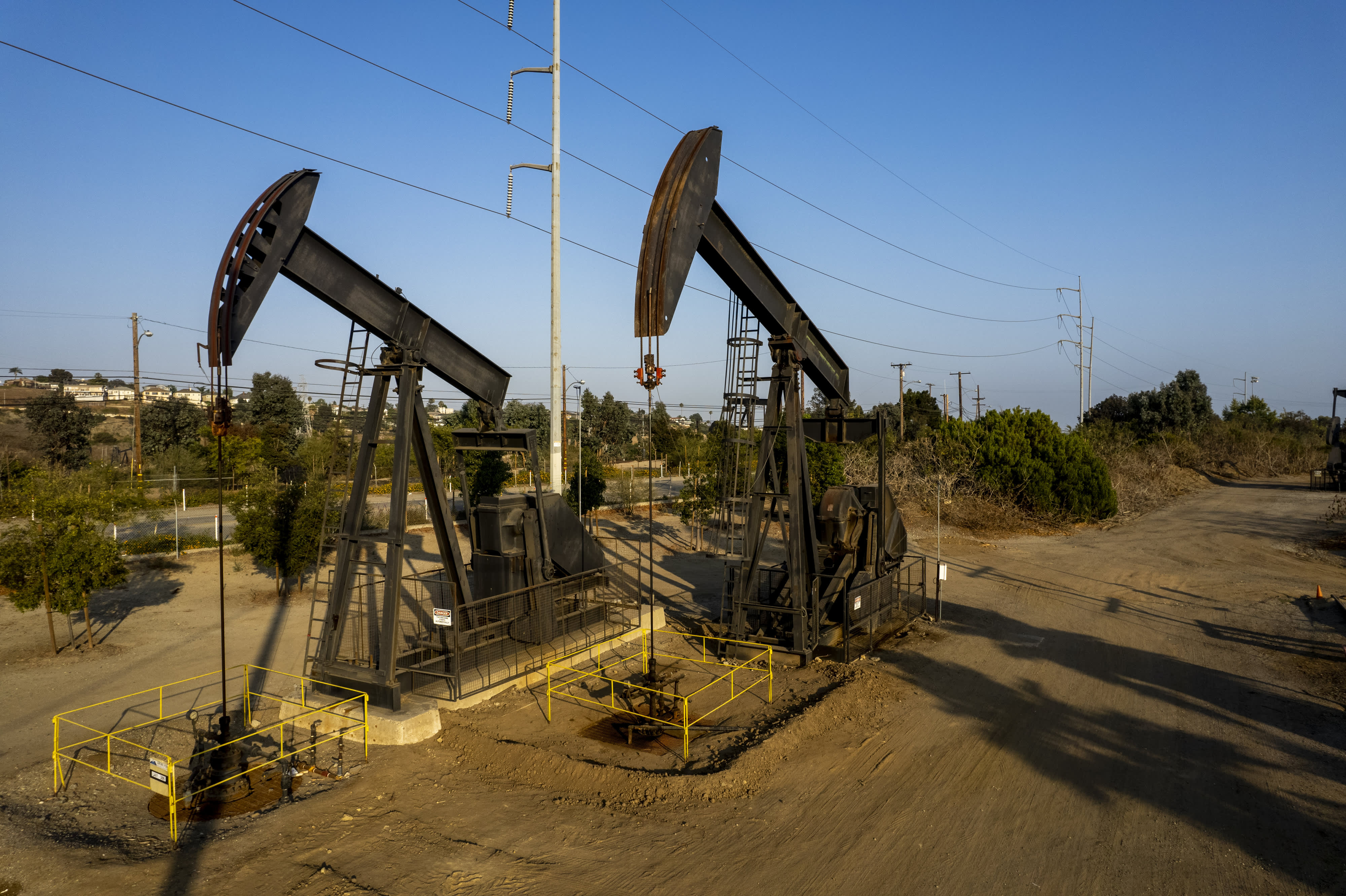 California Proposes a Ban on New Oil Drilling Near Schools, Homes and Hospitals