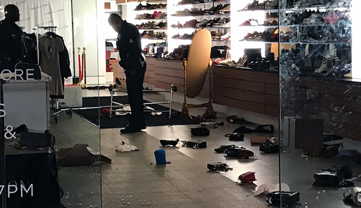 A smash-and-grab robbery crew swarmed a Beverly Grove business, grabbing clothes, bags and other items in an overnight heist Monday Dec. 17, 2018.