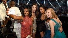 Simone Biles Scores a Selfie With Kim Kardashian at VMAs