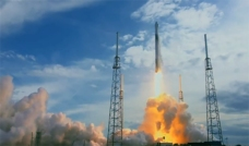 SpaceX Scrubs Florida Launch, One of Four Planned for Tuesday