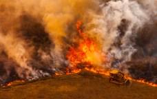 Strong Winds Threaten to Fan 93,662-Acre Woolsey Fire