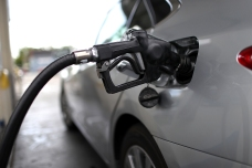 LA County Fuel Prices Drop for the 10th Time in 11 Days