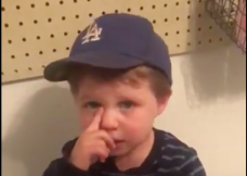 Watch This Adorable 2-Year-Old After Justin Turner's Injury