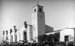 Check Out Old Photos of These Iconic LA Landmarks