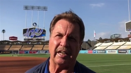 Ron Cey on Tommy Lasorda: a 'Father Figure' to Team