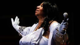 Legendary 'Queen of Soul' Aretha Franklin Dead at 76