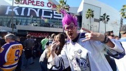 LA Kings Receive Rings, Raise Stanley Cup Banner