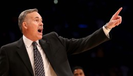 Kobe Welcomes D'Antoni in Thriller