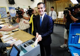 """Last-Minute Trick"": Robocalls Say Obama Backs Garcetti"