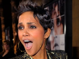 "Halle Berry Thrilled About Her New Movie, ""Frankie & Alice"""