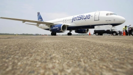 Pilot Who Yelled During Flight Sues Airline for $16M