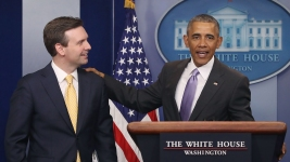 Obama Praises Outgoing Press Secretary for 'Integrity'