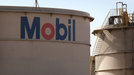 Exxon Shareholders Reject Resolutions on Climate Change, Fracking